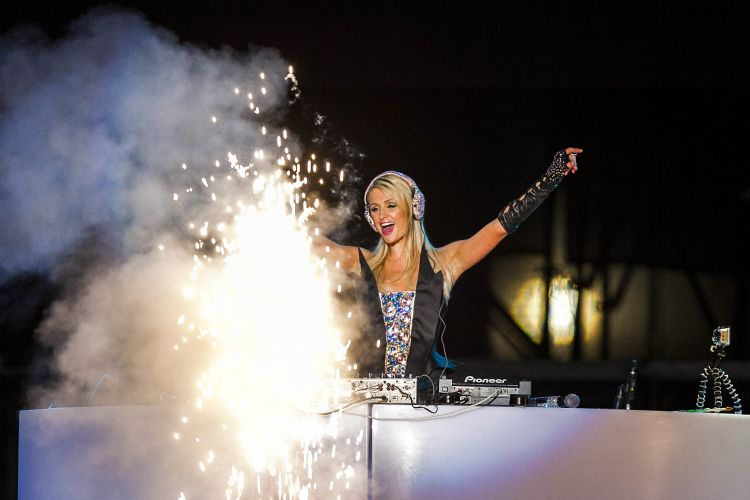 Paris Hilton Pop Festival, 2012